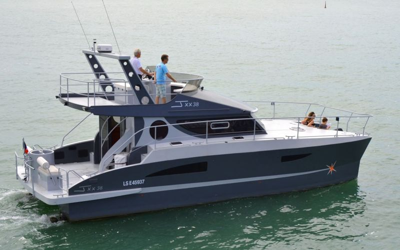 Power catamaran world aluminum powercat launched in france aluminum powercat launched in france sciox Image collections